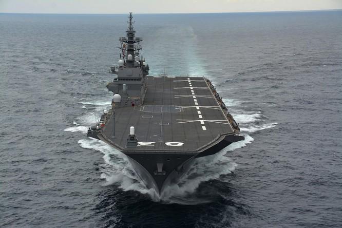 Tàu sân bay trực thăng Izumo của Lực lượng Phòng vệ Biển Nhật Bản (ảnh tư liệu)