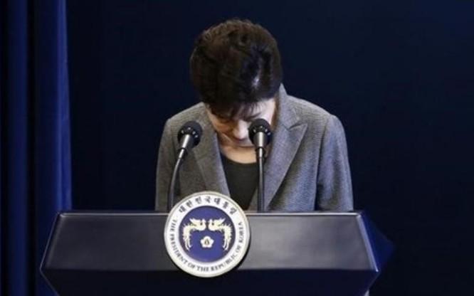 Bà Park Geun-hye xin lỗi người dân (ảnh tư liệu)