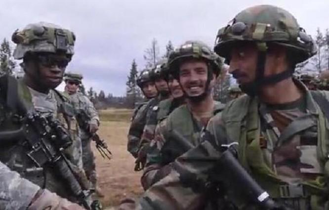 Binh sĩ Mỹ và Ấn Độ trong một cuộc tập trận chung. Ảnh: Cankao
