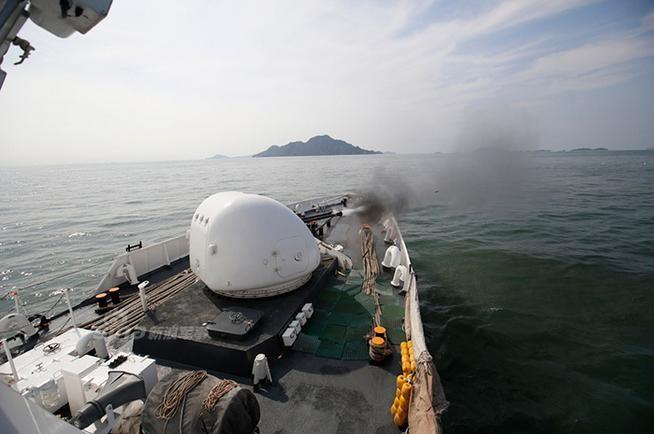 Cảnh sát biển Hàn Quốc tiến hành huấn luyện bắn. Ảnh: Guancha