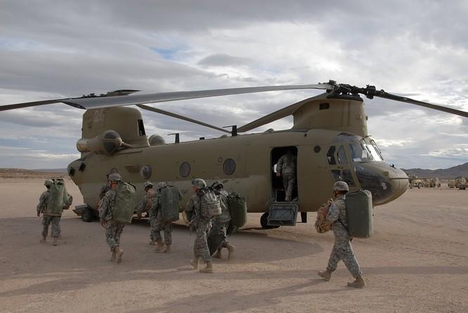 Máy bay trực thăng vận tải hạng nặng CH-47F do Mỹ chế tạo (ảnh tư liệu)