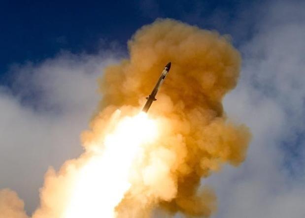 Tên lửa đánh chặn SM-6 của Mỹ (ảnh tư liệu)