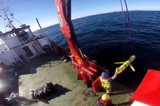 Trung Quốc thu giữ tàu lặn không người lái (UUV) của Quân đội Mỹ ở Biển Đông. Ảnh: Sina