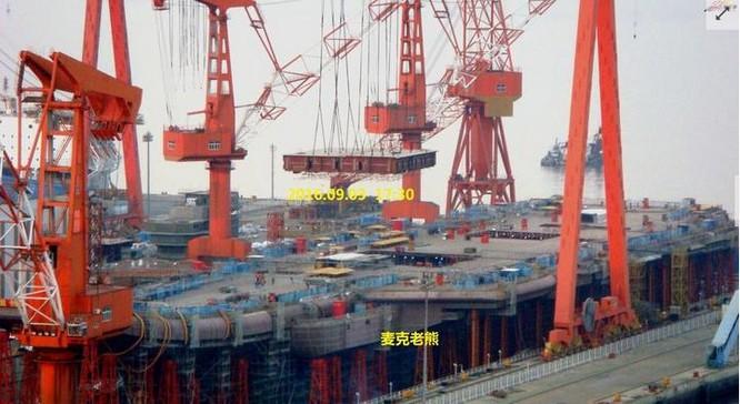 Hình ảnh tàu sân bay tự chế đầu tiên của Trung Quốc. Ảnh: ifeng