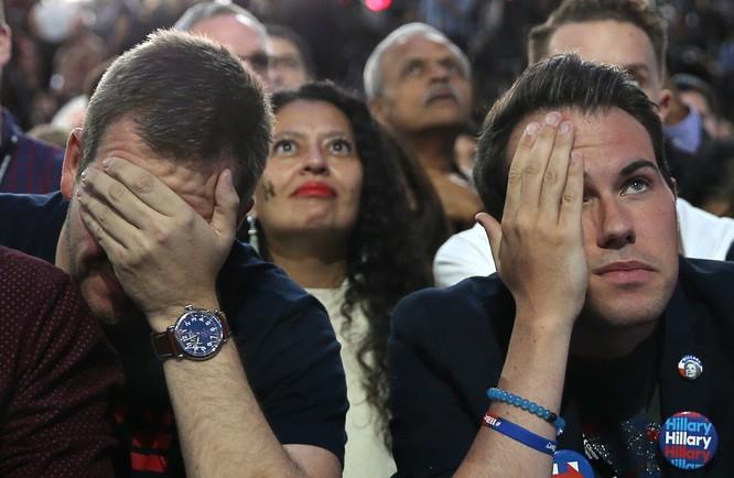 Những người ủng hộ bà Hillary Clinton.
