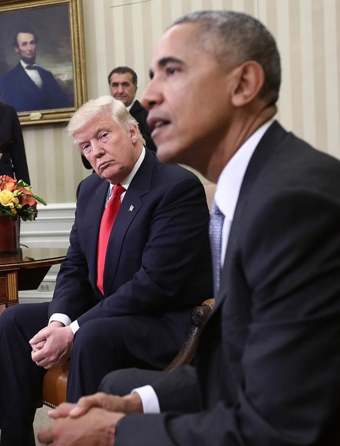 """Trợ lý của cựu Tổng thống Bill Clinton lấy phím """"W"""" từ máy tính Nhà Trắng và chuyện của Obama - Trump ảnh 1"""