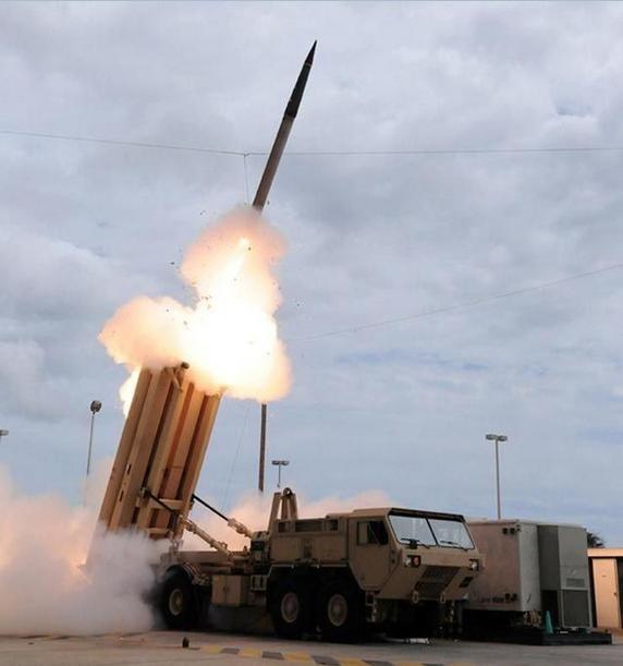 Hệ thống phòng thủ khu vực tầm cao đoạn cuối (THAAD) Mỹ. Ảnh: QQ