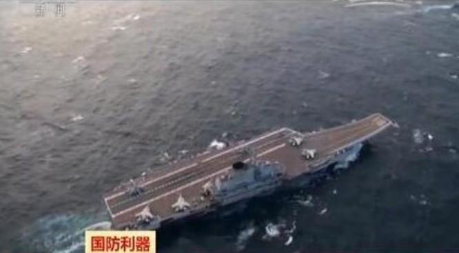 Tàu sân bay Liêu Ninh do CCTV Trung Quốc phát sóng. Ảnh: Chinanews