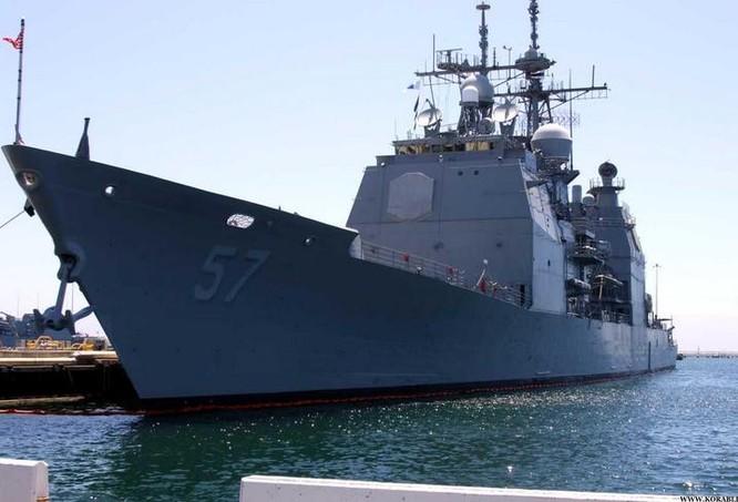 Tàu khu trục USS USS Lake Champlain CG-57, Hải quân Mỹ. Ảnh: Korabli.eu