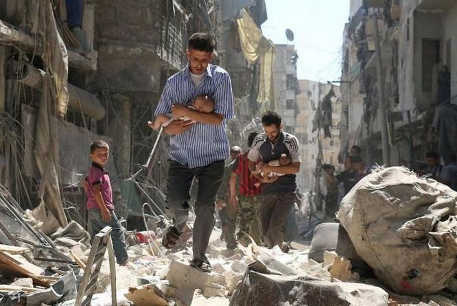 Thành phố Aleppo ở Syria khi xảy ra không kích. Ảnh: Cankao
