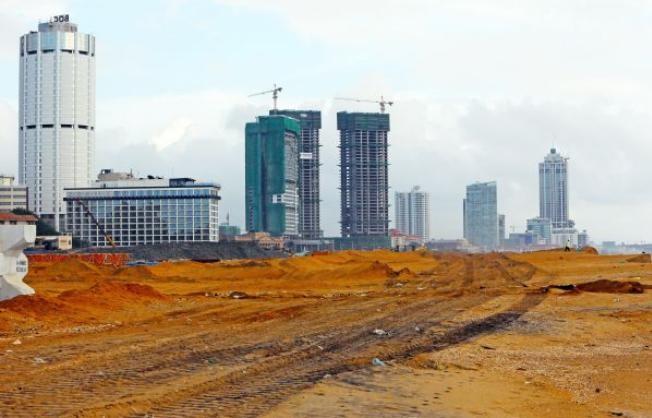 Hiện trường dự án Colombo do Trung Quốc đầu tư xây dựng. Ảnh: ifeng
