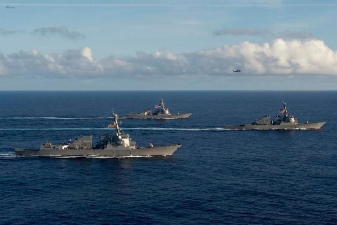 Biên đội tàu sân bay Mỹ trên Biển Đông ngày 5 tháng 7 năm 2016. Ảnh: Sina