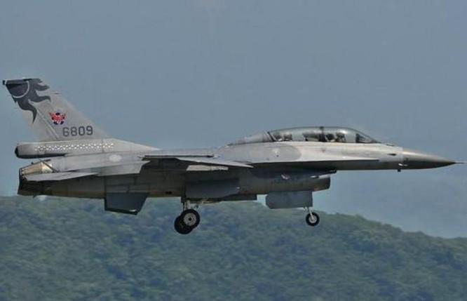 Máy bay chiến đấu F-16A/B hiện có của Không quân Đài Loan. Ảnh: Sina