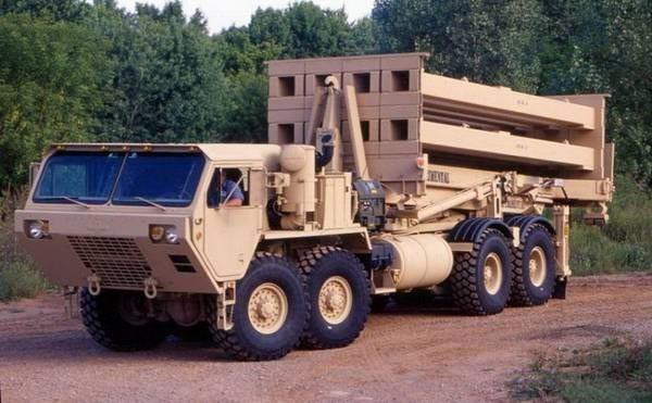 Xe chở tên lửa đánh chặn của hệ thống THAAD Mỹ (ảnh tư liệu)