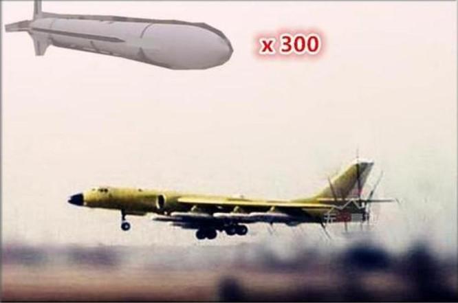 Máy bay ném bom H-6K Trung Quốc trang bị tên lửa hành trình KD-20. Ảnh: Sina