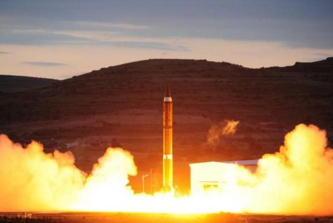 Một lữ đoàn tên lửa chiến lược xuyên lục địa của Quân đội Trung Quốc tiến hành huấn luyện chiến đấu thực tế. Ảnh: Cankao