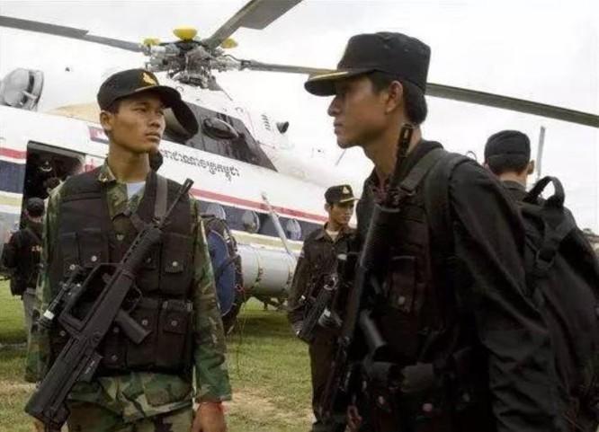Trung Quốc xuất khẩu súng trường Type 97 ra nước ngoài. Ảnh: Sina