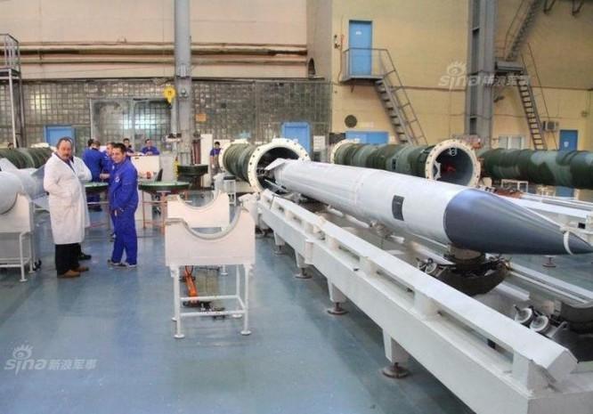Nga sản xuất tên lửa phòng không S-400. Ảnh: Sina