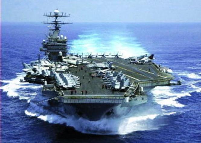 Tàu sân bay động cơ hạt nhân USS Carl Vinson. Ảnh: QQ