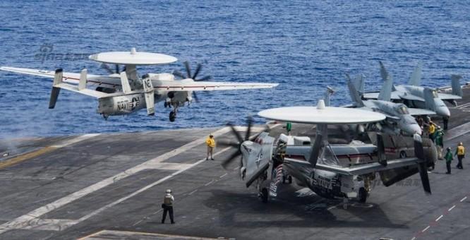 Máy bay trên tàu sân bay USS Carl Vinson, Hải quân Mỹ. Ảnh: Sina