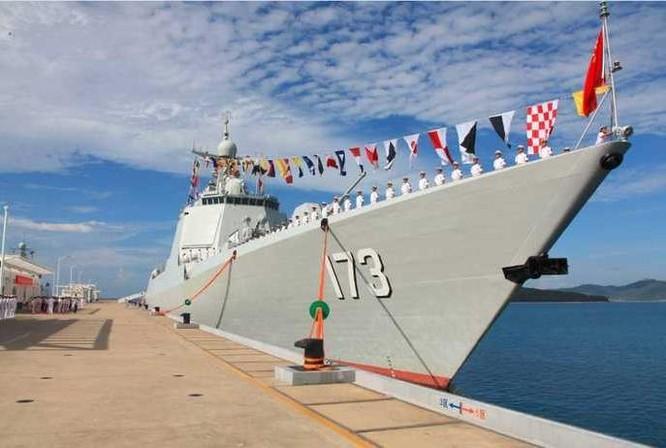 Tàu khu trục tên lửa Trường Sa số hiệu 173 Type 052D thuộc Hạm đội Nam Hải, Hải quân Trung Quốc. Ảnh: Weibo