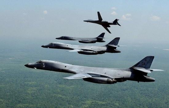 Biên đội 4 máy bay ném bom chiến lược B-1B Mỹ (ảnh tư liệu)
