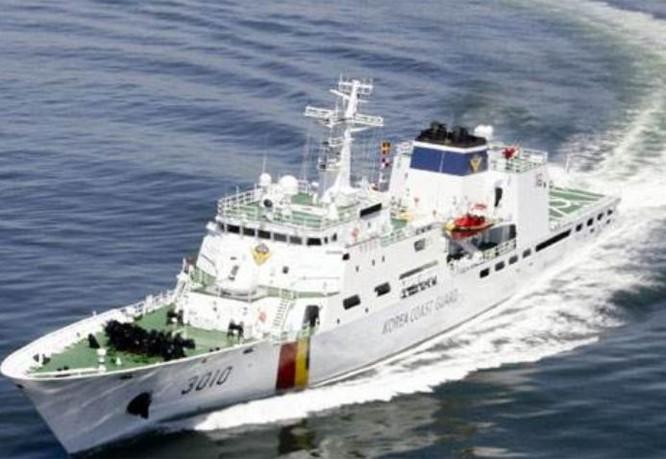 Tàu cảnh sát biển Hàn Quốc. Ảnh: Thời báo Hoàn Cầu