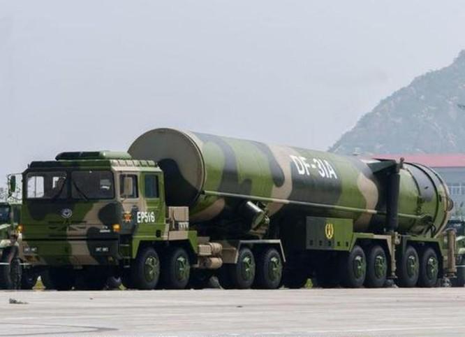 Tên lửa đạn đạo xuyên lục địa Đông Phong-31A Trung Quốc. Ảnh: Sina