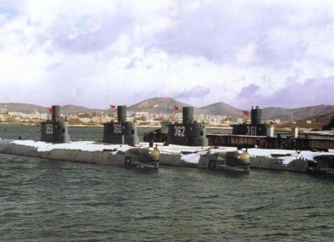 Lực lượng tàu ngầm Trung Quốc. Ảnh: Sina