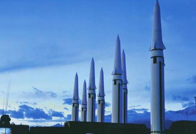 Tên lửa đạn đạo Đông Phong-16 Trung Quốc. Ảnh: Sohu