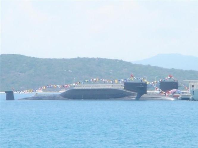 Tàu ngầm hạt nhân chiến lược Type 094 Hải quân Trung Quốc. Ảnh: Sina