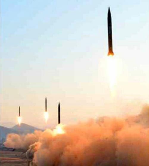 Ngày 6/3/2017, Triều Tiên phóng 4 quả tên lửa đạn đạo về biển Nhật Bản. Ảnh: Kyodo