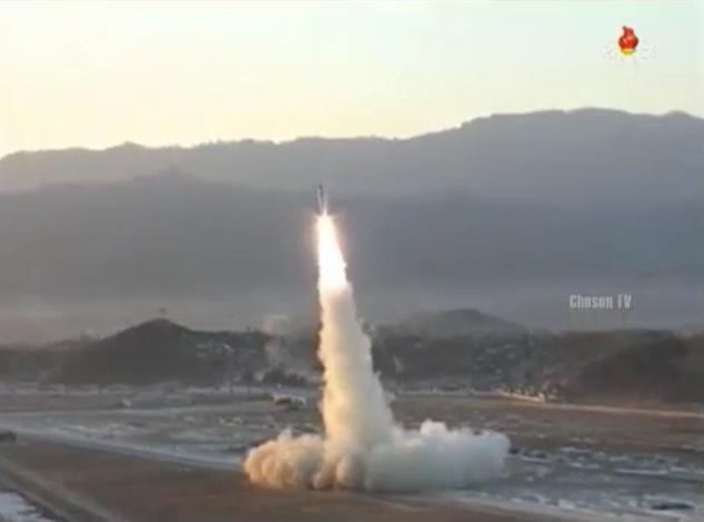 Ngày 12/2/2017, Triều Tiên phóng tên lửa đạn đạo tầm trugn Pukguksong-2. Ảnh: Sputnik