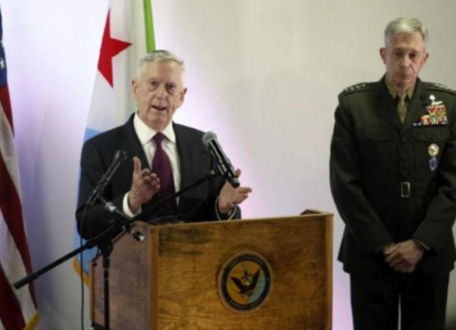 Ngày 23/4/2017, Bộ trưởng Quốc phòng Mỹ James Mattis phát biểu tại Trại Lemonnier, Djibouti. Ảnh: Tân Hoa xã