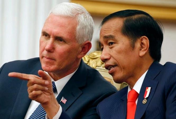 Ngày 20/4/2017, Phó Tổng thống Mỹ Mike Pence hội đàm với Tổng thống Indonesia Joko Widodo. Ảnh: VOA News