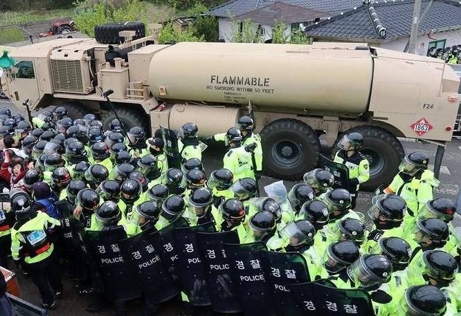 Mỹ cơ bản hoàn thành triển khai THAAD ở Hàn Quốc. Hệ thống này đã sẵn sàng đánh chặn tên lửa đạn đạo của Triều Tiên. Ảnh: AFP/Yonhap