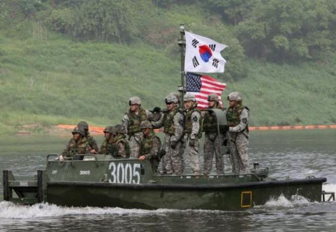 Quân đội Mỹ và Hàn Quốc tiến hành tập trận chung Foal Eagle 2017. Ảnh: AP
