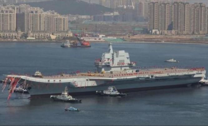 Ngày 26/4/2017, tàu sân bay tự chế đầu tiên Type 001A Trung Quốc hạ thủy. Ảnh: Cankao