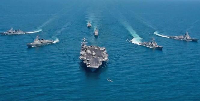 Hải quân Mỹ và Hàn Quốc tiến hành tập trận chung. Ảnh: Business Insider