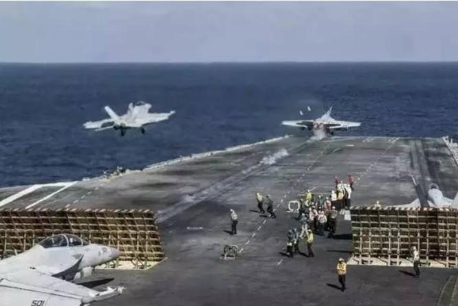Cụm tấn công tàu sân bay USS Ronald Reagan Hải quân Mỹ tiến hành huấn luyện trên Biển Đông. Ảnh: Sohu