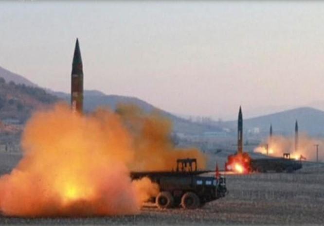 Mỹ thỏa hiệp với Trung Quốc để giải quyết vấn đề hạt nhân và tên lửa Triều Tiên? Ảnh: KRT