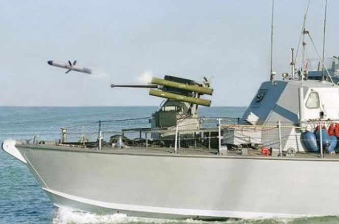 Tên lửa Spike được phóng từ tàu chiến Israel. Ảnh: Cankao