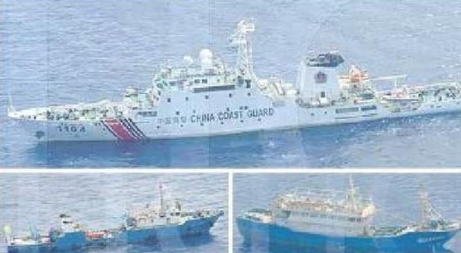Các tàu cảnh sát biển Trung Quốc xâm nhập vùng biển bãi cạn Scarborough. Ảnh: Manila Times