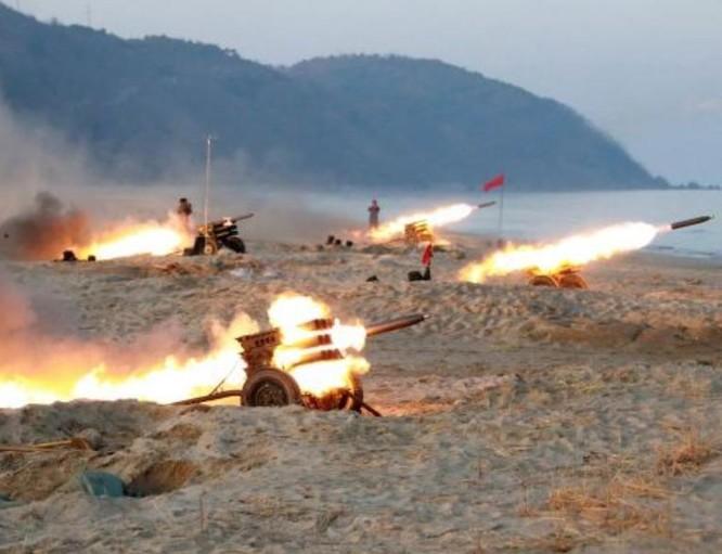 Triều Tiên bắn pháo trong một cuộc tập trận. Ảnh: KCNA