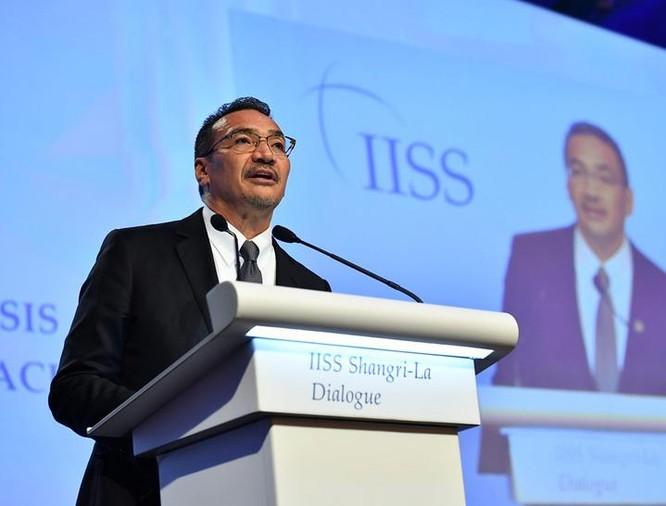 Bộ trưởng Quốc phòng Malaysia Hishammuddin Hussein tại Đối thoại Shangri-La 2017. Ảnh: The Straits Times