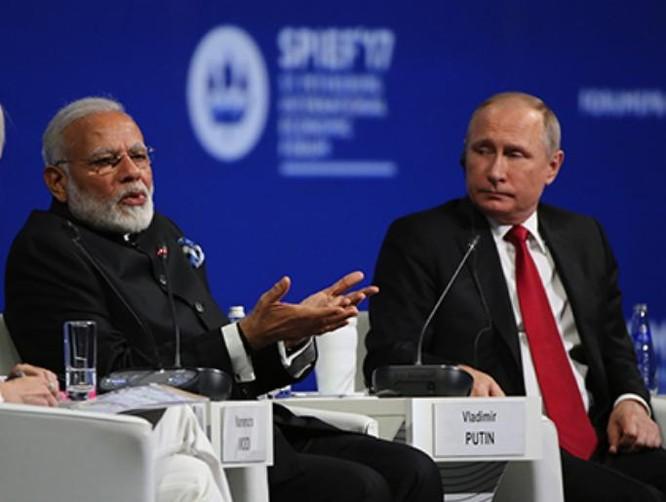 Ngày 2/6/2017, Thủ tướng Ấn Độ Narendra Modi phát biểu tại Diễn đàn kinh tế quốc tế St. Petersburg, Nga. Ảnh: Caixin.