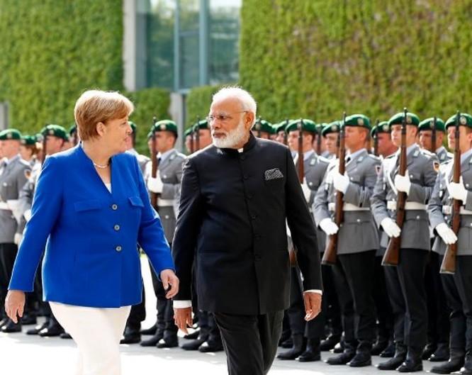 Ngày 30/5/2017, Thủ tướng Narendra Modi và Thủ tướng Đức Angela Merkel tiến hành hội đàm tại Thủ đô Berlin, Đức. Ảnh: Nanyangpost