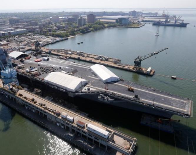 Tàu sân bay động cơ hạt nhân thế hệ mới USS Gerald Ford Mỹ. Ảnh: Daily Mail