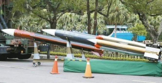 Tên lửa chống hạm Hùng Phong-3 Đài Loan. Ảnh: Sina