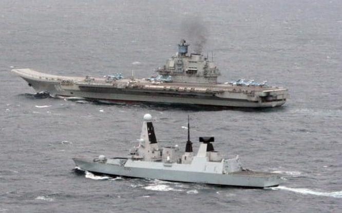 Tàu sân bay Kuznetsov Hải quân Nga trên biển Măng Sơ. Ảnh; The Telegraph